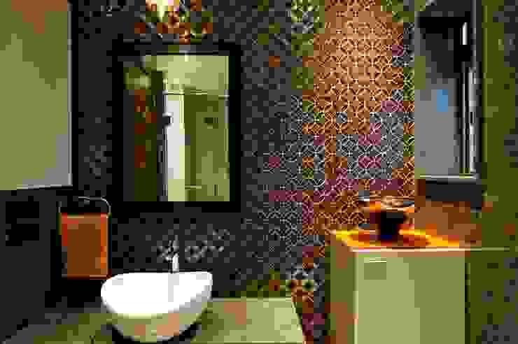 Common Bathroom Basin wall SPACE DESIGN STUDIOS Minimalist bathroom