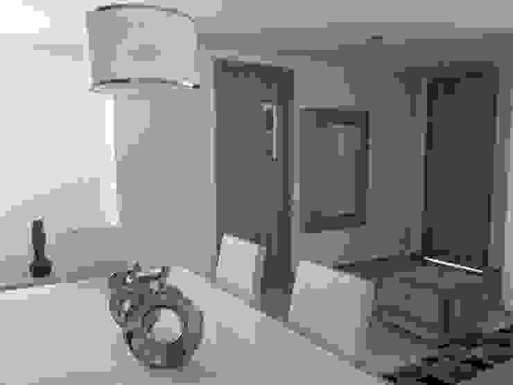 Interior apartamento tipo Comedores de estilo moderno de Oleb Arquitectura & Interiorismo Moderno