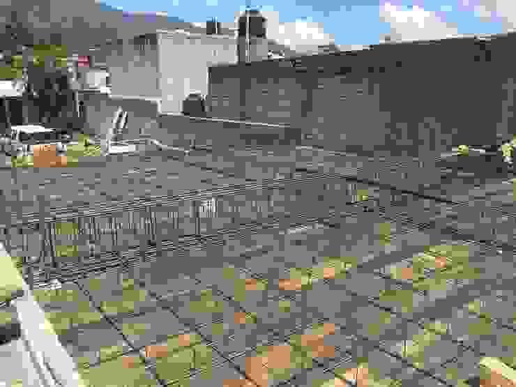 Remodelación de cochera y jardín GARAY ARQUITECTOS Azoteas