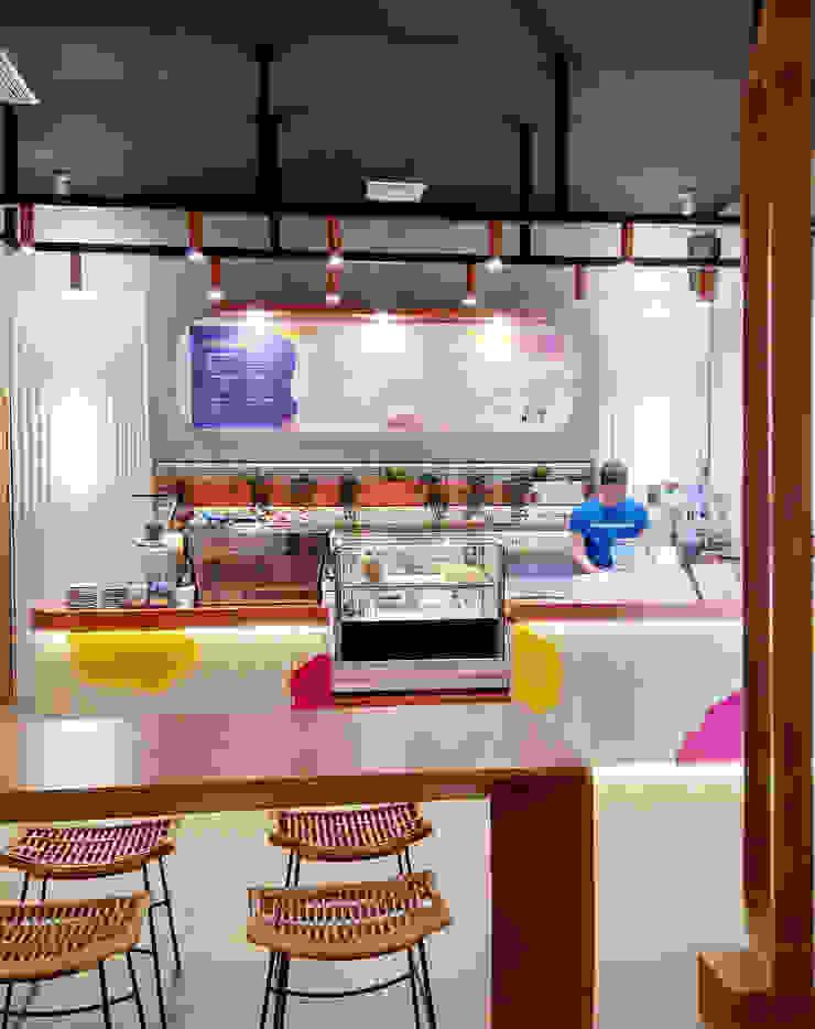 Sundae Monday Cafe:modern  oleh parawarna, Modern Kayu Lapis