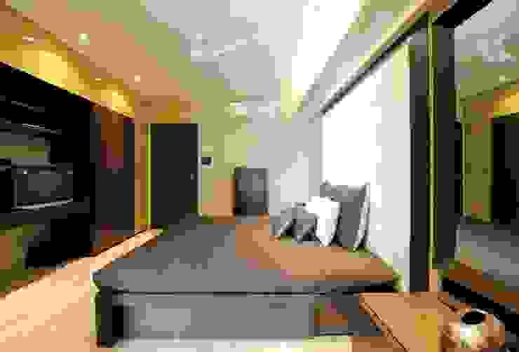 Dormitorios de estilo moderno de SPACE DESIGN STUDIOS Moderno