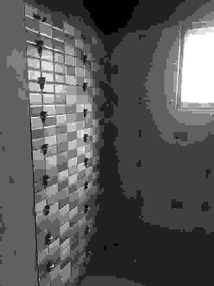 鋪貼磁磚-浴室 根據 houseda