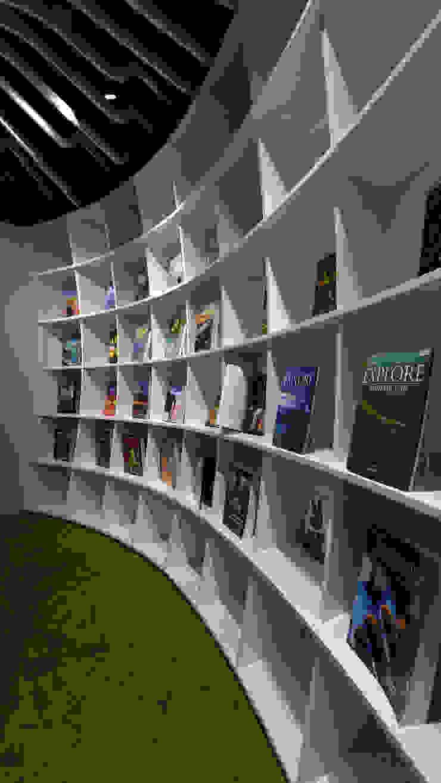 弧形書櫃 根據 亚卡默设计 Akuma Design 簡約風 合板