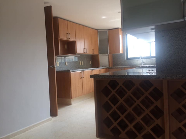 cocina integral y piso de marmol MAG constructions CocinaFregaderos y grifería Mármol