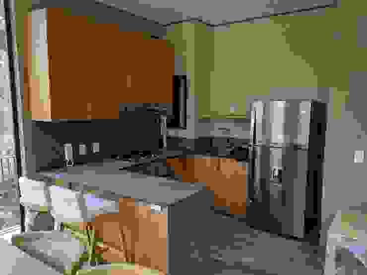 Cocina Cocinas modernas: Ideas, imágenes y decoración de MOKALI Carpintería Residencial Moderno