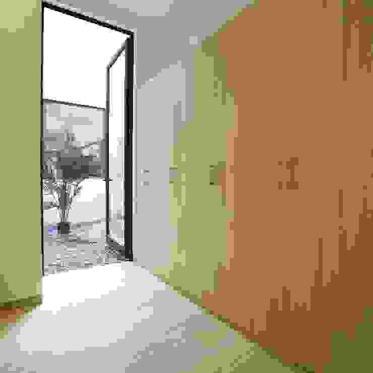 MOKALI Carpintería Residencial BedroomWardrobes & closets