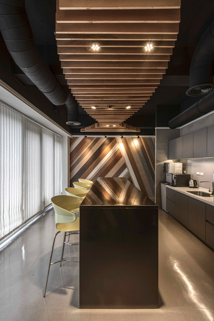 茶水間 根據 亚卡默设计 Akuma Design 現代風 木頭 Wood effect