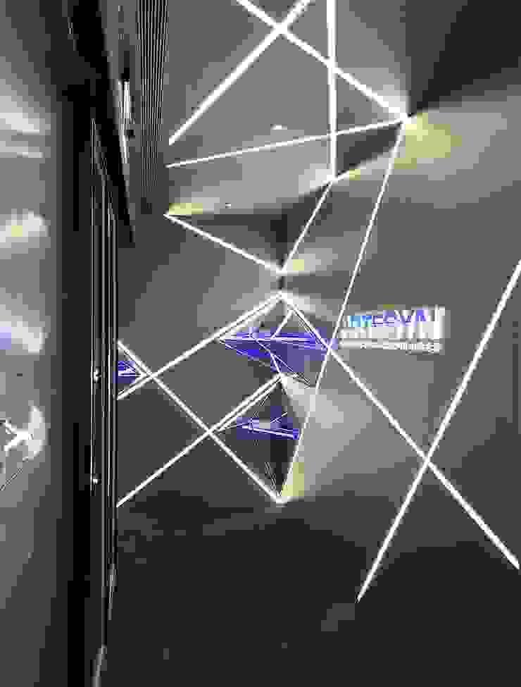 入口處 根據 亚卡默设计 Akuma Design 現代風 金屬