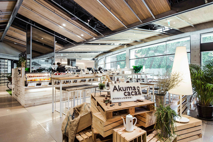 百貨入口logo 根據 亚卡默设计 Akuma Design 田園風 木頭 Wood effect