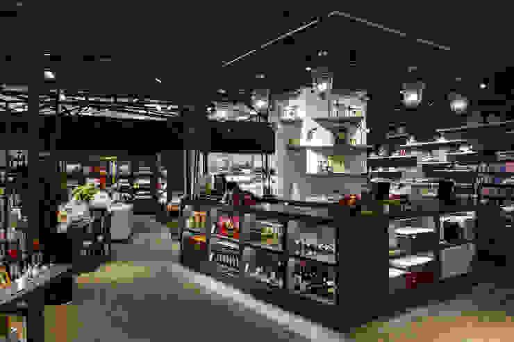 四面櫃台 根據 亚卡默设计 Akuma Design 工業風 金屬