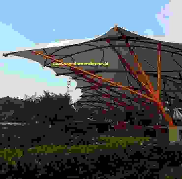 Pemasangan kanopi tribun penonton di Jungle land Sentul, Bogor Oleh Fortuna Jaya Kreasi Tropis Plastik
