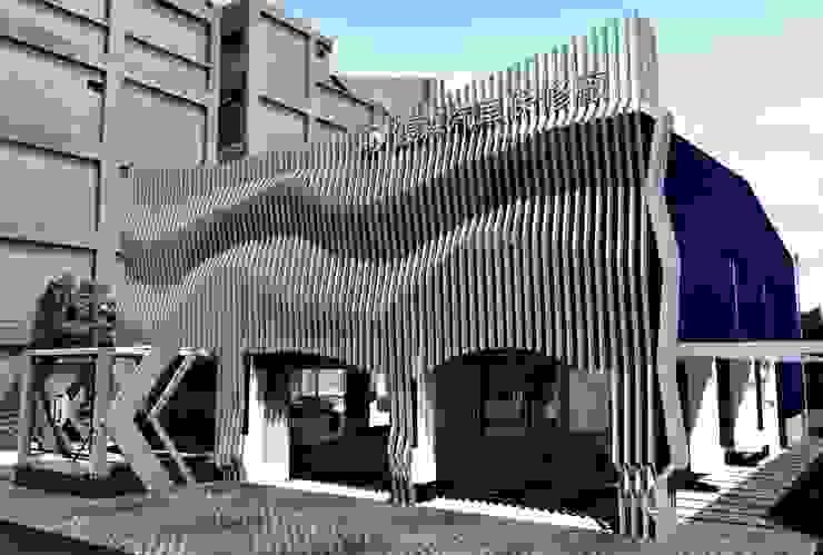時尚風建築外觀 根據 亚卡默设计 Akuma Design 現代風 金屬