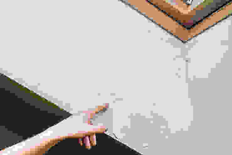 Desconchones de pintura por el exceso de humedad: Ventanas de estilo  de Murprotec, Clásico