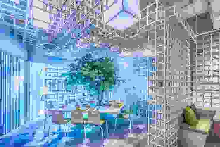 入口用餐區 根據 亚卡默设计 Akuma Design 現代風 金屬
