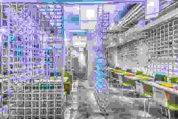 飲食區設計 根據 亚卡默设计 Akuma Design 現代風 水泥
