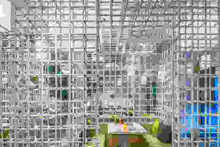 穿透感綠意包廂 根據 亚卡默设计 Akuma Design 現代風 金屬
