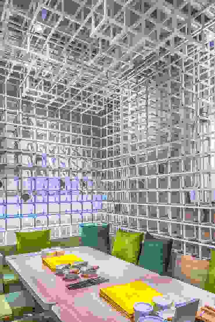 包廂區 根據 亚卡默设计 Akuma Design 現代風 金屬