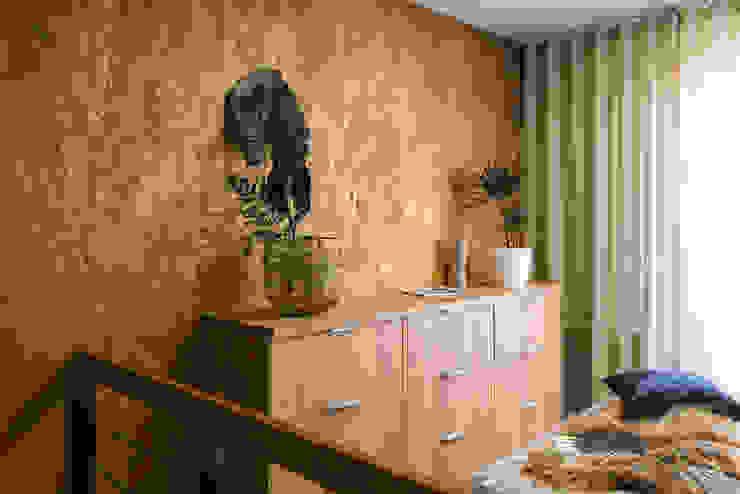 Mieszkanie miłośniczki designu i mody Nowoczesny salon od Q2Design Nowoczesny