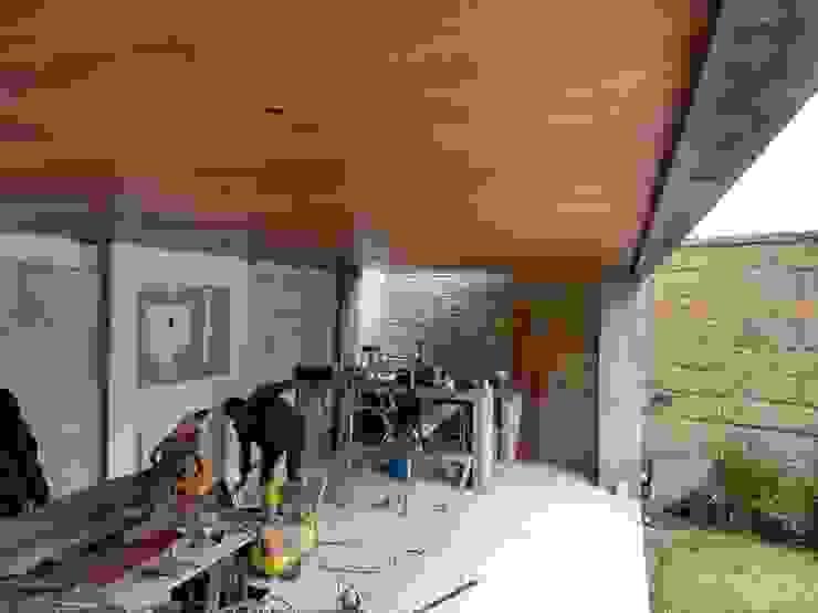 Avance de obra Balcones y terrazas modernos de D-M studio Moderno
