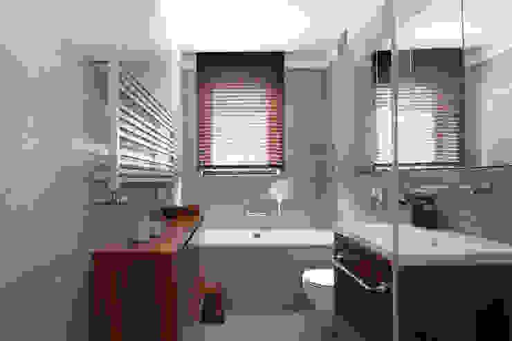 Modern bathroom by DEKA DESIGN Modern