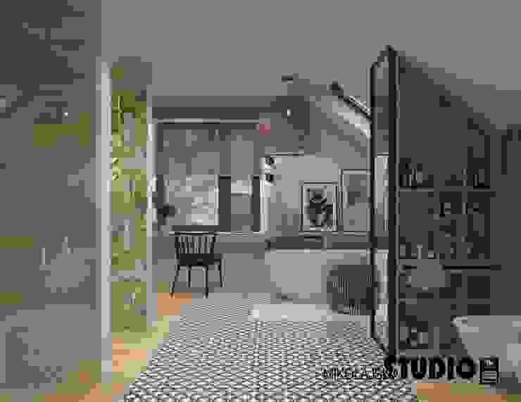 salon kąpielowy Eklektyczna łazienka od MIKOŁAJSKAstudio Eklektyczny