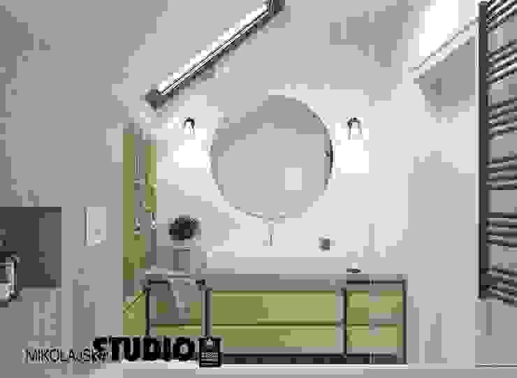 kącik z umywalką-łazienka Eklektyczna łazienka od MIKOŁAJSKAstudio Eklektyczny