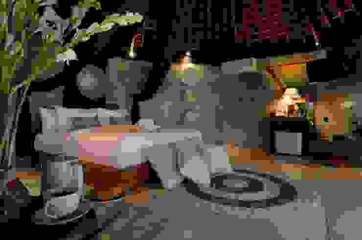 WaB - Wimba anenggata architects Bali Eclectic style hotels Concrete Grey