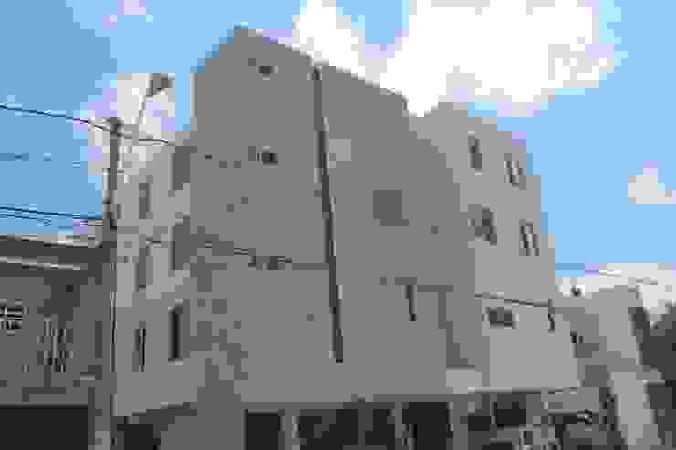 by Xavier Laredo Arquitecto Modern Concrete
