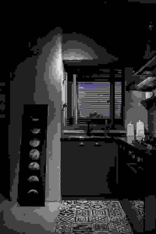de 湜湜空間設計 Industrial