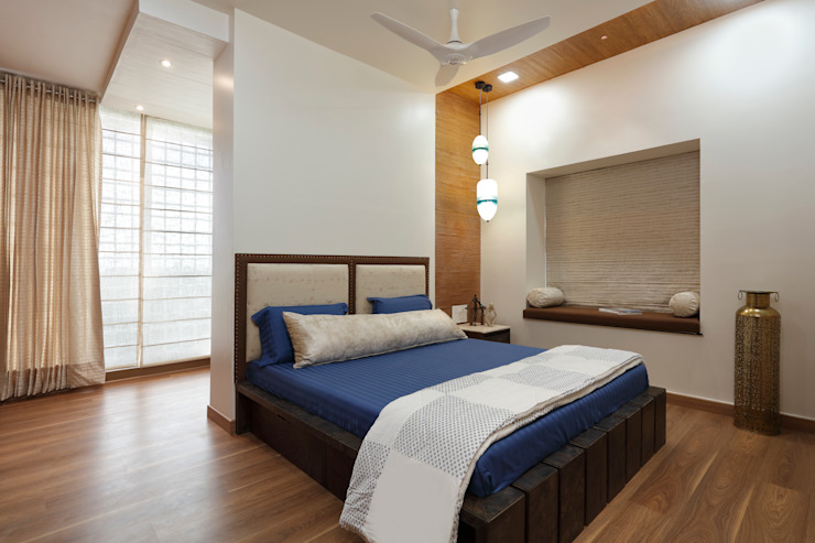 Bedroom Modern style bedroom by Vishakha Chawla Interiors Modern