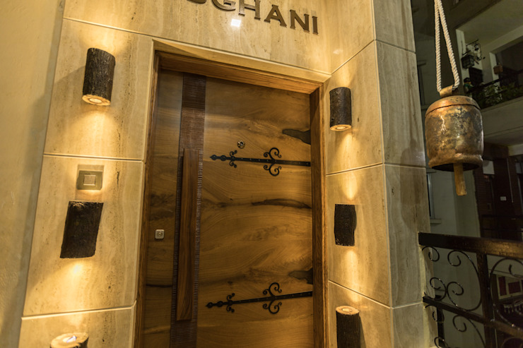 Entrance Door Mediterranean style doors by Vishakha Chawla Interiors Mediterranean