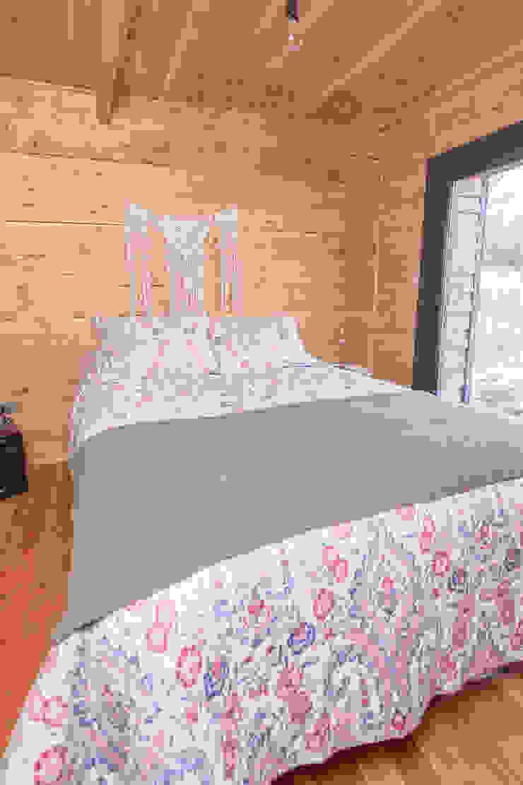 Casa Rural Dormitorios de estilo moderno de casa rural - Arquitectos en Coyhaique Moderno
