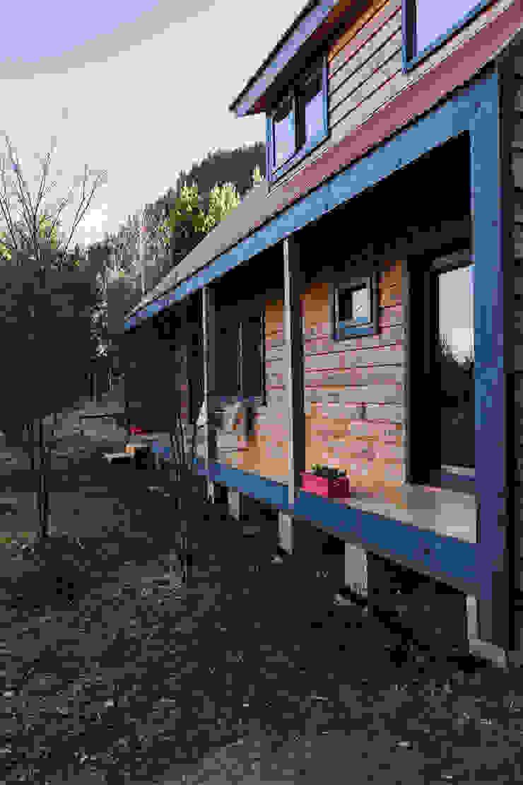 Casa Rural de casa rural - Arquitectos en Coyhaique Moderno