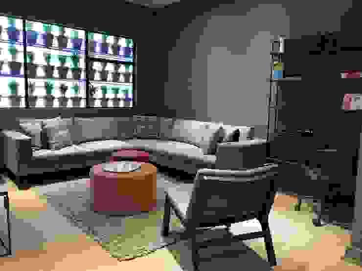 Casa en el corazón de Polanco Salones modernos de HR® By Natalia Jiménez Moderno