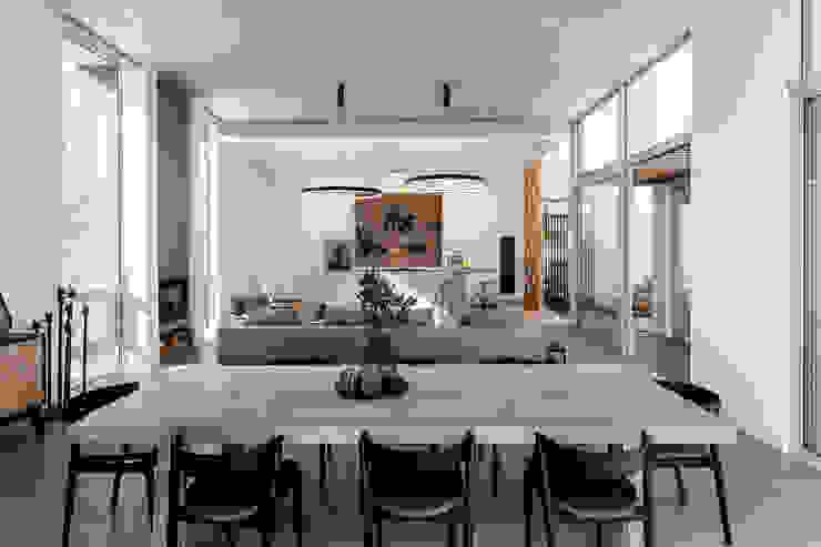 GSQUARED architects Minimalist dining room