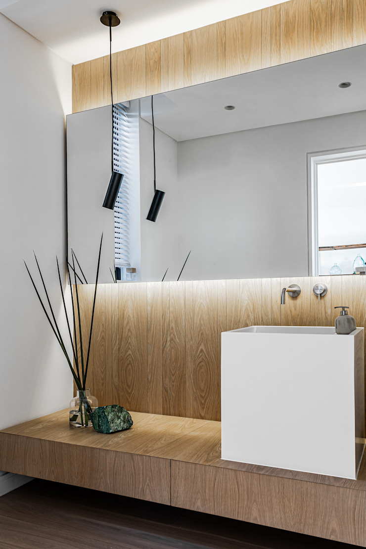 GSQUARED architects Minimalist bathroom