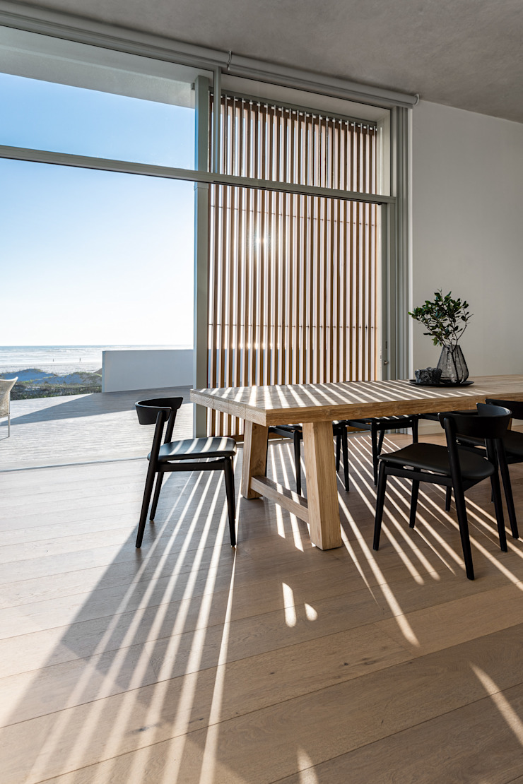 D 13 GSQUARED architects Minimalist dining room