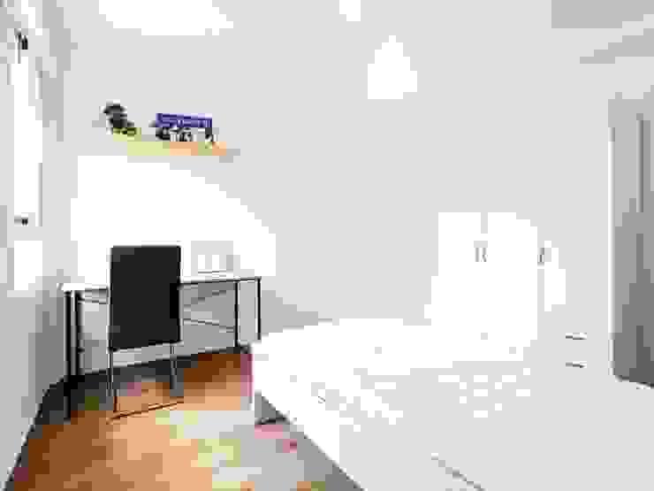 Reforma total de piso en bloque de viviendas Dormitorios de estilo minimalista de POA Estudio Arquitectura y Reformas en Córdoba Minimalista Cerámico