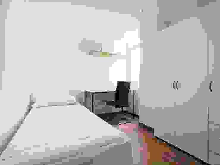 Reforma en el centro de Córdoba Dormitorios de estilo minimalista de POA Estudio Arquitectura y Reformas en Córdoba Minimalista Cerámico
