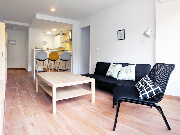 Nueva vida para una vivienda desactualizada a bajo coste Salones de estilo minimalista de POA Estudio Arquitectura y Reformas en Córdoba Minimalista Cerámico