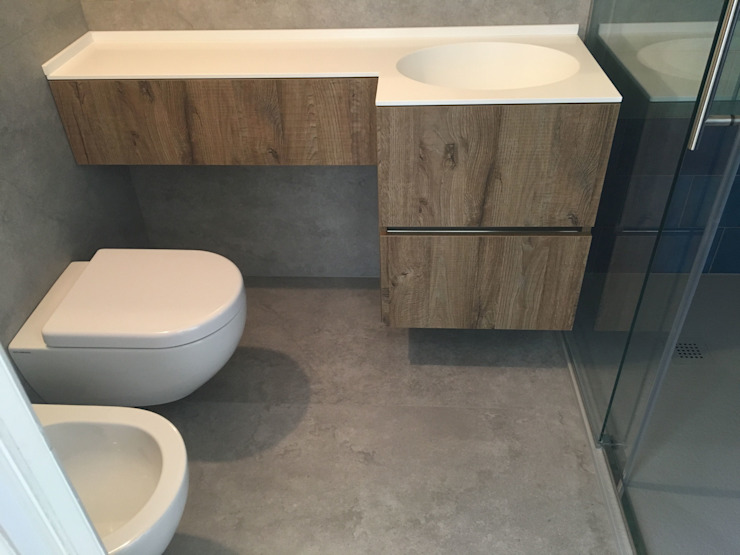 Ottavio snc di Silvestrin Dario e Paolo Modern bathroom Wood effect