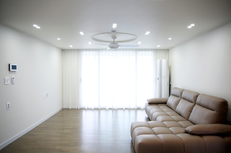 Modern Living Room by 바른인테리어 Modern