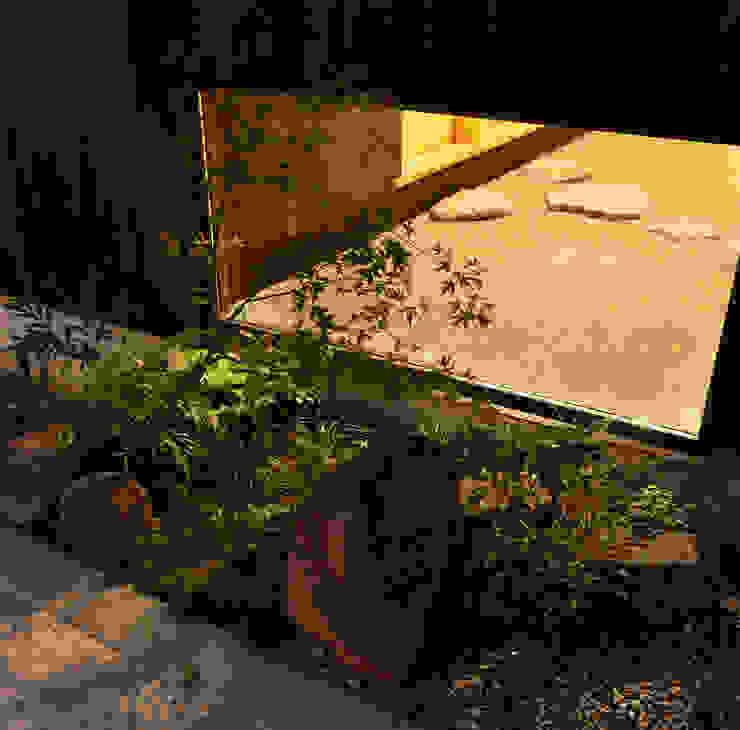 床座の家-土間と離れ蔵のある家- Studio tanpopo-gumi 一級建築士事務所 アジア風 庭