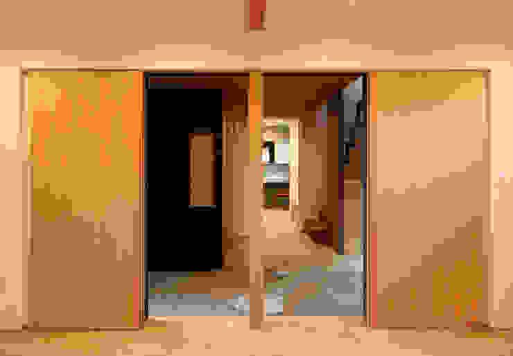 床座の家-土間と離れ蔵のある家- Studio tanpopo-gumi 一級建築士事務所 和風デザインの リビング