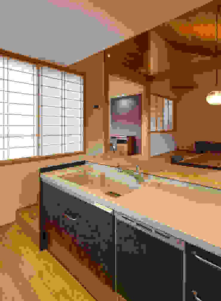 床座の家-土間と離れ蔵のある家- Studio tanpopo-gumi 一級建築士事務所 和風の キッチン