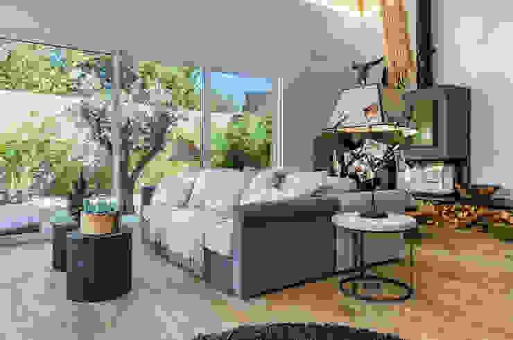 Moradia de luxo na Aldeia de Juzo, Cascais Salas de estar ecléticas por ImofoCCo - Fotografia Imobiliária Eclético