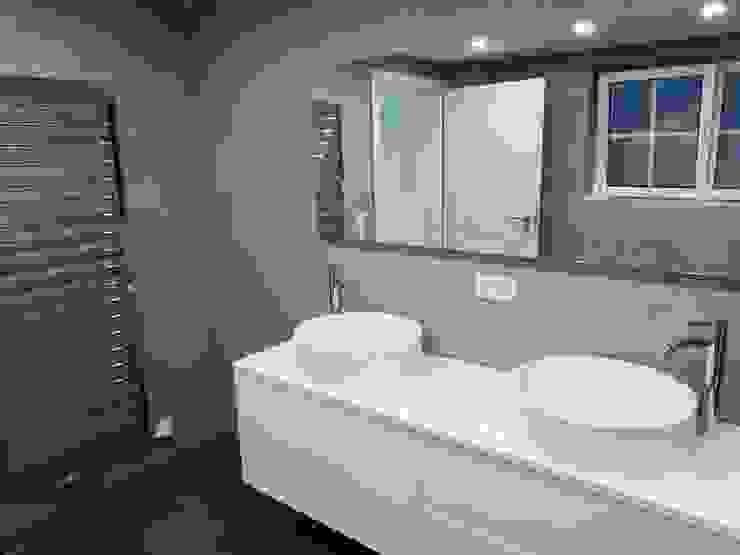 Salle de bain moderne par Keramostone Moderne