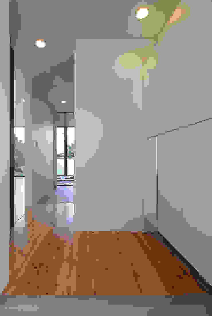 霧島の住宅 アトリエ環 建築設計事務所 モダンスタイルの 玄関&廊下&階段