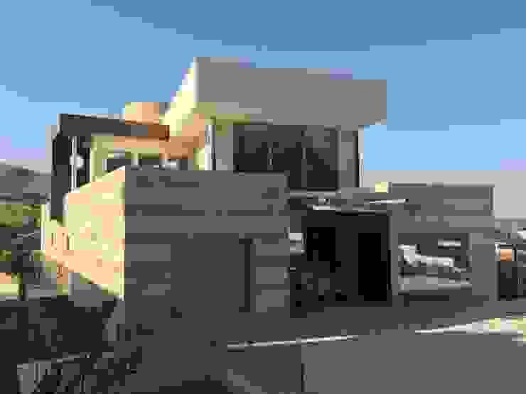 Fachada Sur de DYOV STUDIO Arquitectura, Concepto Passivhaus Mediterraneo 653 77 38 06 Moderno Mármol