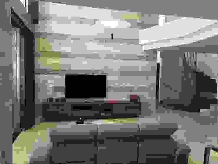 Vivienda Moderna con doble altura. de DYOV STUDIO Arquitectura, Concepto Passivhaus Mediterraneo 653 77 38 06 Moderno Mármol